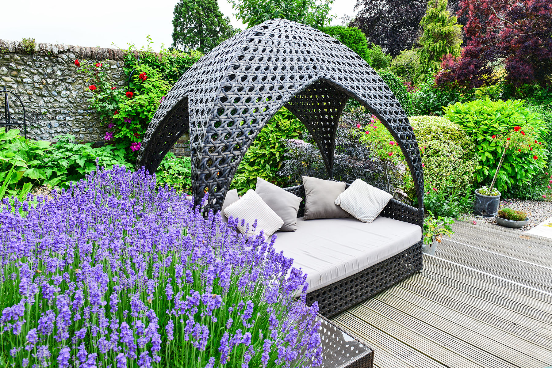 Springwells-garden seating pod by pool