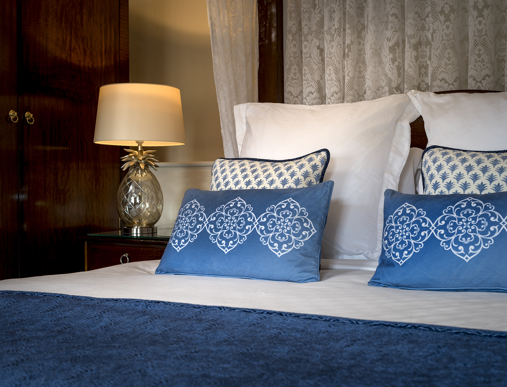 Twin bedroom with stylish furnishings at Springwells in Steyning